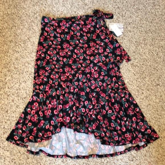LuLaRoe Dresses & Skirts - Lularoe New Release Floral Bella Wrap Skirt NWT